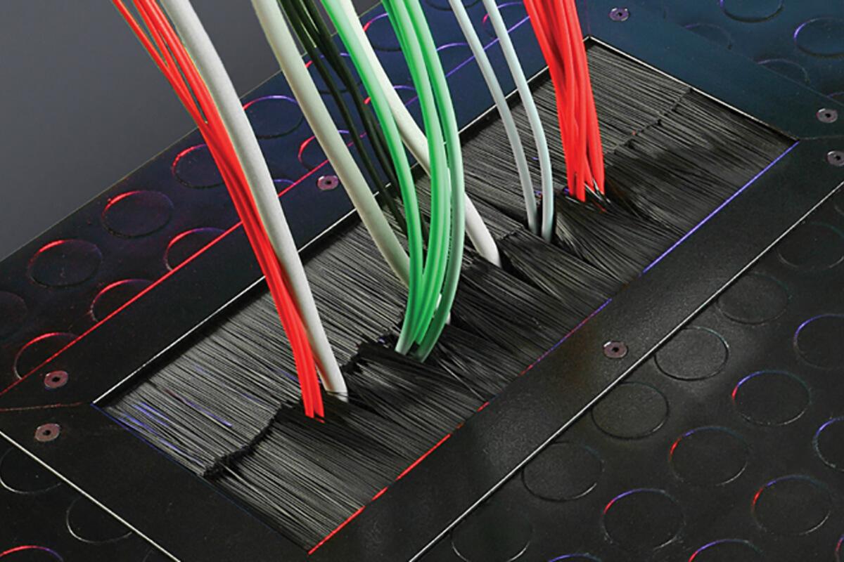 Brush strip and sealing - KOTI