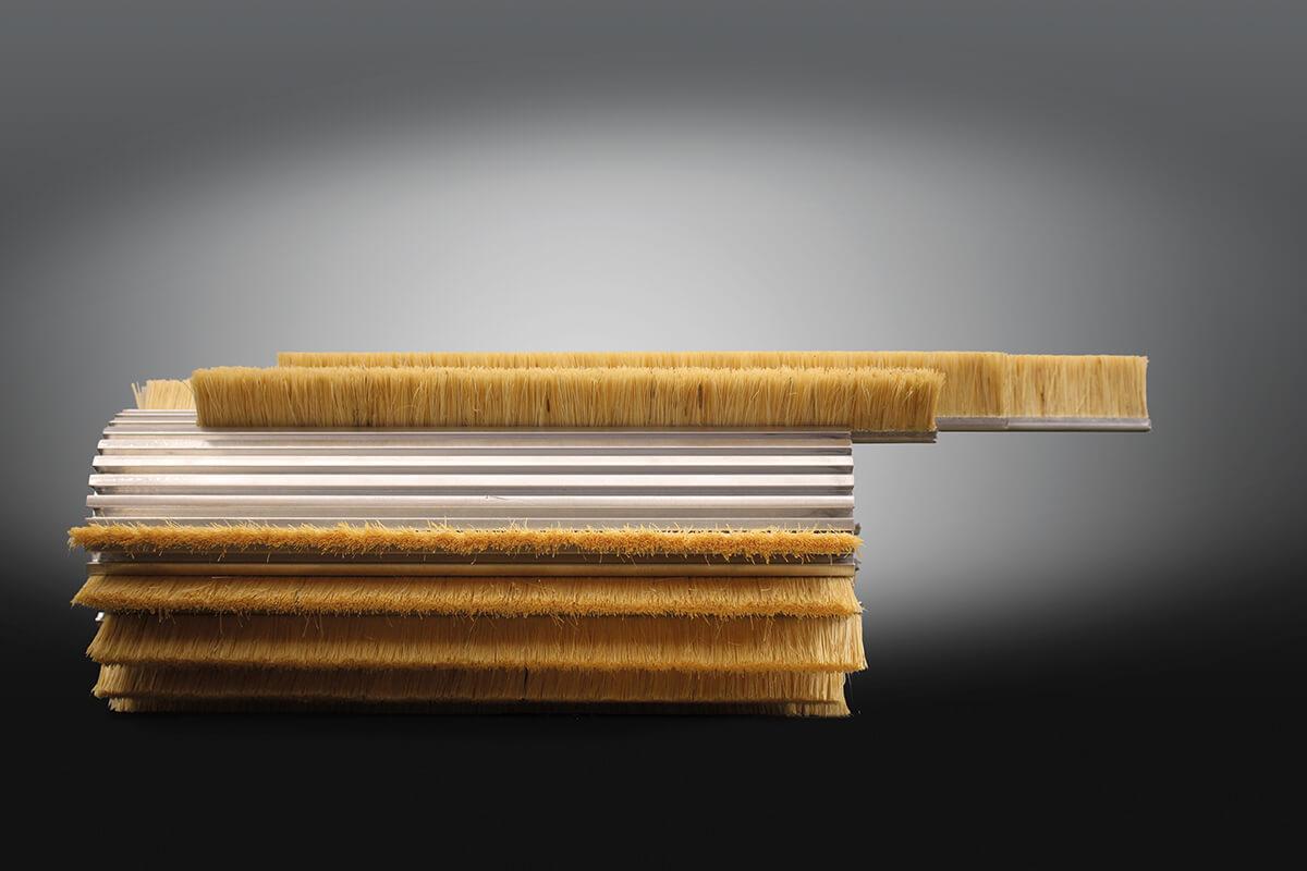 Brosses strips enroulées industrielles et techniques - KOTI